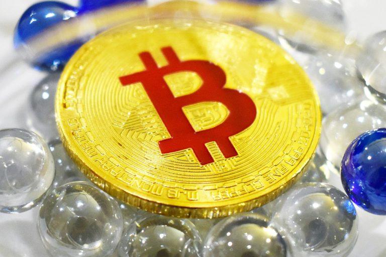 Bitcoin za poslední rok překonal TOP desítku ostatních kryptoměn