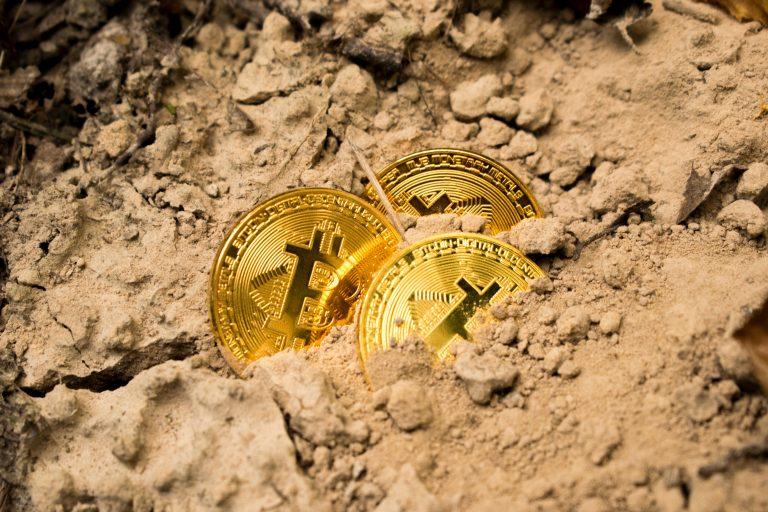 Zlato vs Bitcoin, co je lepší investice?