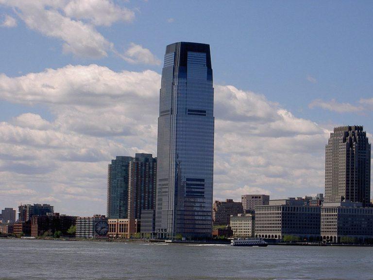 Skandál Goldman Sachs – Obviněni z praní špinavých peněz v hodnotě 2,7 mld. USD