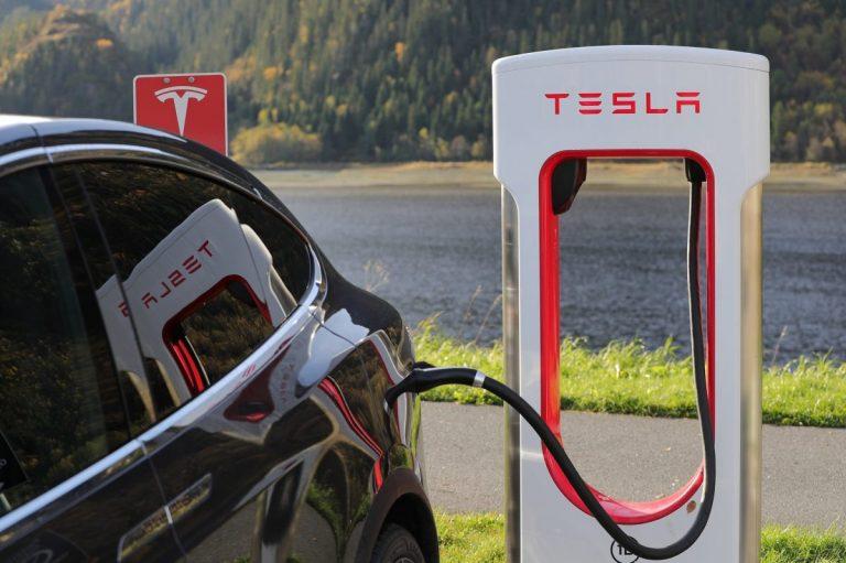 20.08.19 Technická analýza akcií společnosti Tesla – Klesáme a klesáme