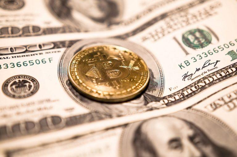Zvítězí měna, kterou neovládá žádná vláda