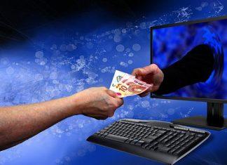 monitor, klávesnice, ruce, peníze