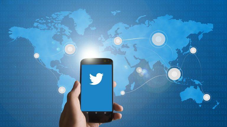 Jediný tweet nejspíš způsobil prudký propad kryptotrhů během hodiny