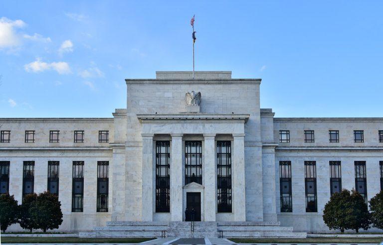 Americký FED vydá v Novém roce 425 miliard dolarů – víc než 3x kapitalizace BTC