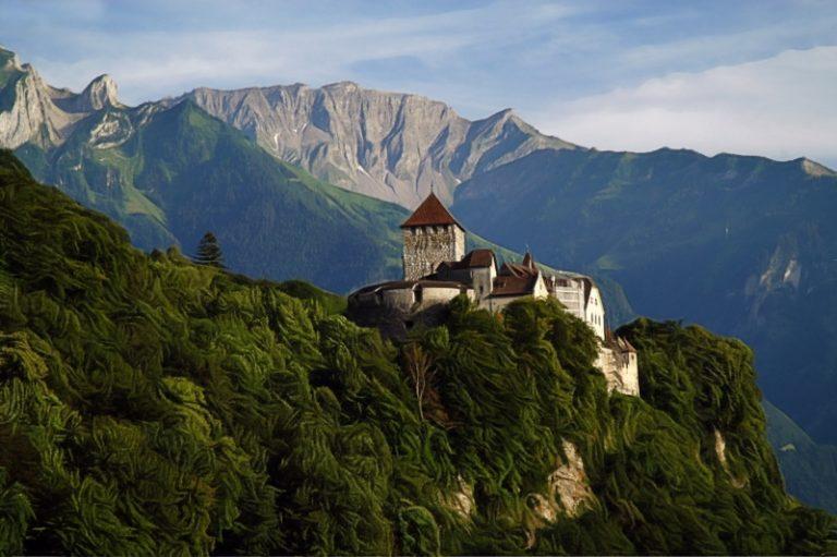 Lichtenštejnský parlament jednotně schválil nový blockchainový zákon