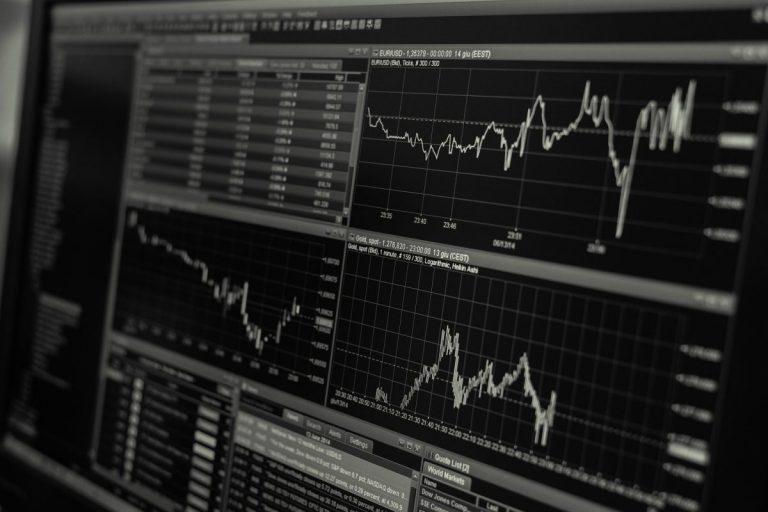 Jak na zvládnutí emocí a řízení rizik při obchodování s kryptoměnami