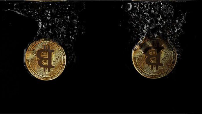bitcoin fall pád padá