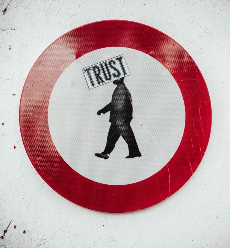 Rusko si neví s regulací kryptoměn rady