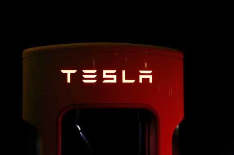 14.07.20 Technická analýza akcií Tesla a Amazon – Otevření nového týdne byl pro akciový trh krvavý