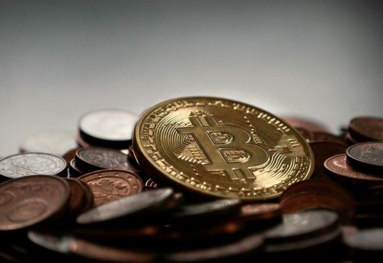 23.01 [BTC/USD] Technická analýza: Zastavíme u high low na 8 200? Ztratili jsme 800 USD od topu 2020!