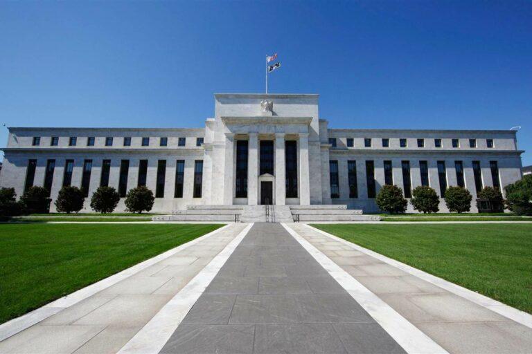 Fed je v pasti – tvrdí přední analytik
