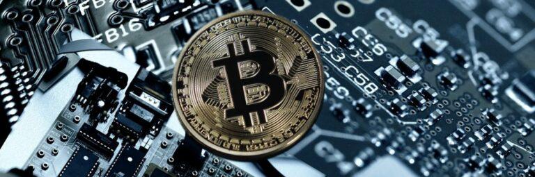 """Kryptoburzy – zásady míchání BTC vytvoří černý trh se """"zkaženými mincemi"""""""