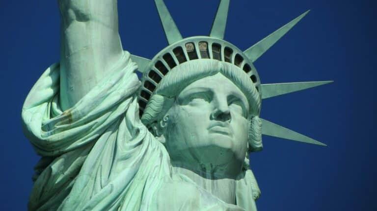 Vlastní 46 milionů Američanů kryptoměny?