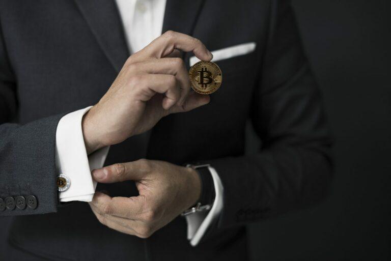 Nejbohatší muž kryptosvěta vlastní přes 2,6 miliardy USD