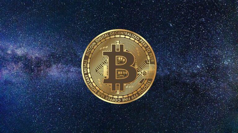 Bitcoin se stává méně volatilní než vznikající fiat. Že bychom mířili to the Moon?