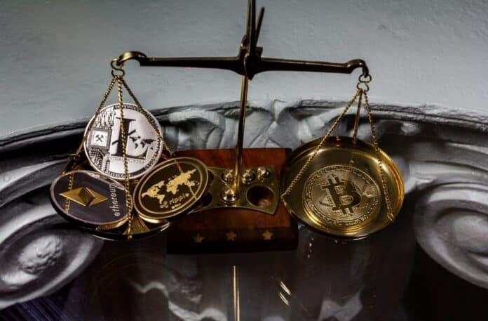 váhy, mince, kryptoměny