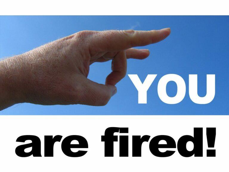 Přišli jste o práci? Na co máte nárok a co musíte udělat?