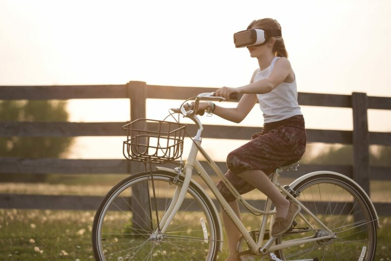 Blockchain sehraje klíčovou roli ve VR sociálních médiích