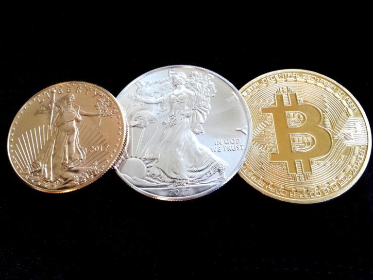 Pokud je Bitcoin digitální zlato – jsou altcoiny digitální stříbro? Objevila se neobvyklá korelace