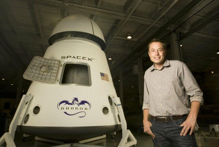 CEO Dogecoinu, Elon Musk, úspěšně dostal astronauty do vesmíru a začíná psát novou kapitolu vesmírného businessu!