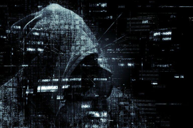 Hacker prodává informace o tisících uživatelů