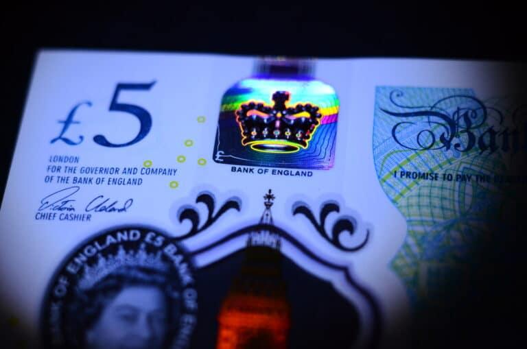 Britská blockchainová společnost navrhla systém CDBC pro Bank of England