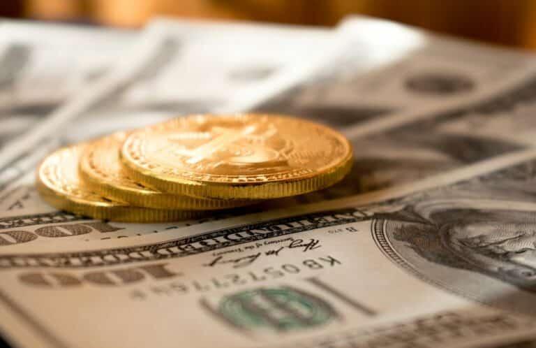 Kdy nahradí BTC fiat měny? Je velký rozdíl do krypta investovat, nebo jím platit