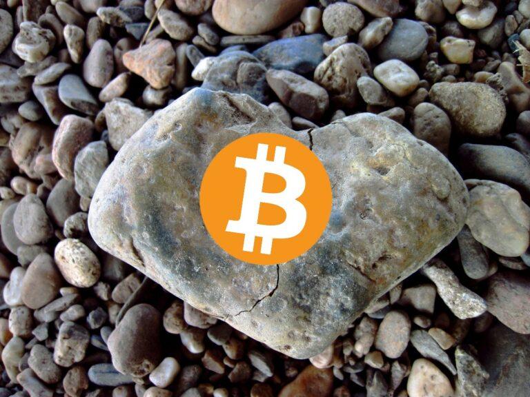 John McAfee říká, že nikdy nevěřil, že by Bitcoin dosáhl ceny 1 milion dolarů