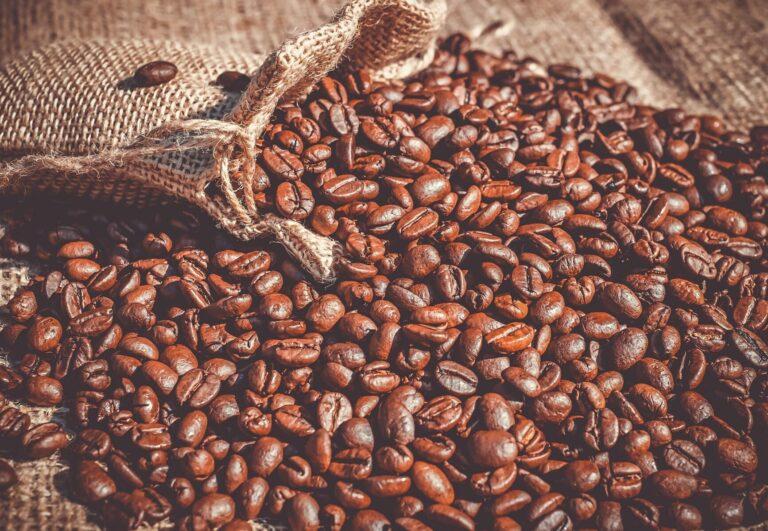 Americký kávový gigant Starbucks se obrací na blockchain