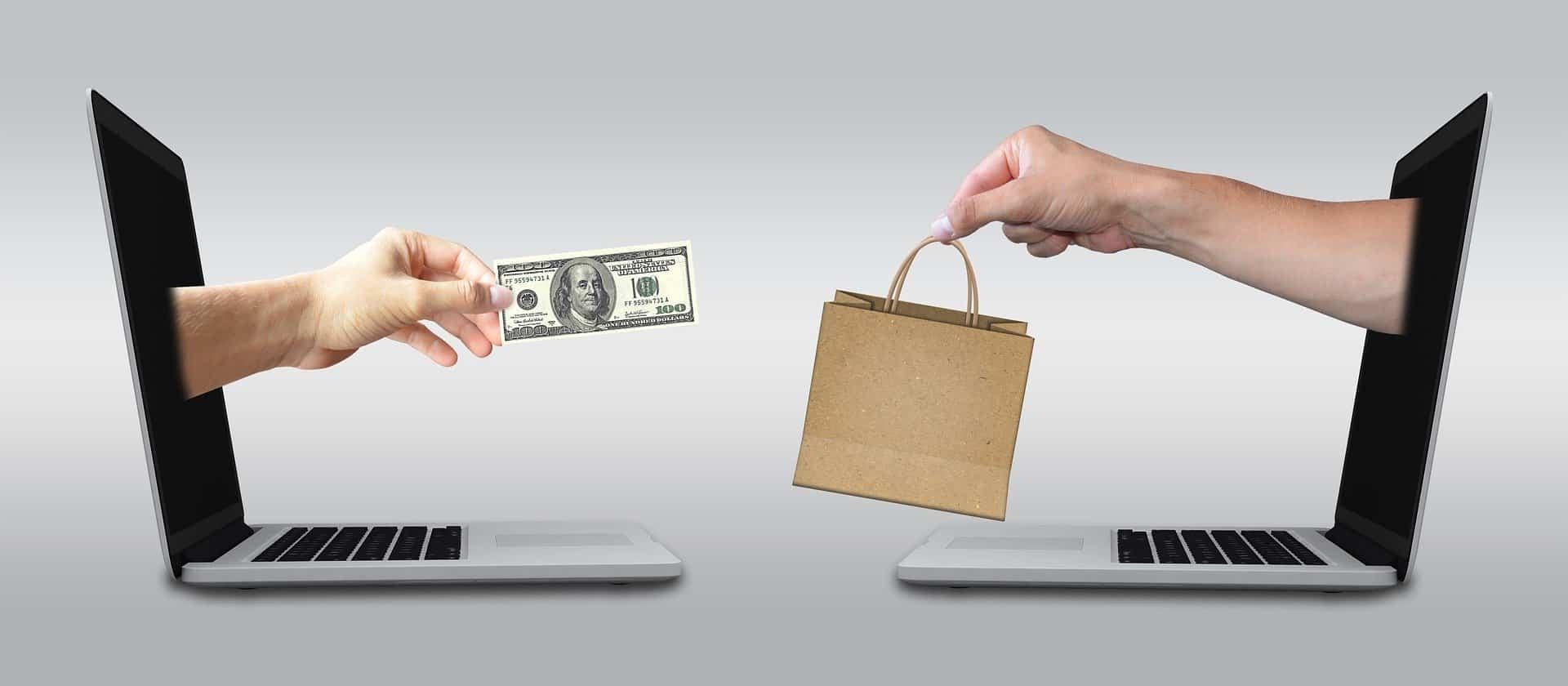 notebook, peníze, zboží