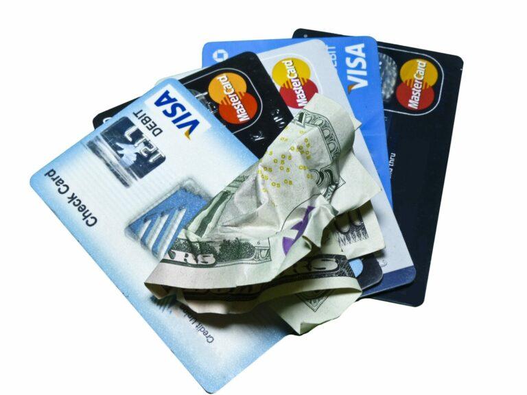 CEO Visa radí investorům, aby se vykašlali na dolar a investovali do Bitcoinu