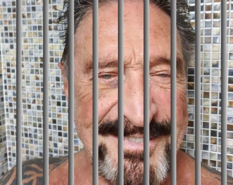 McAfee o životě a zvláštnostech španělského vězení