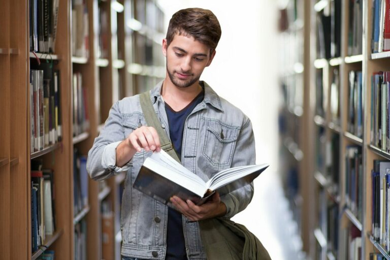 Univerzity nabízejí studentům blockchainu placené příležitosti