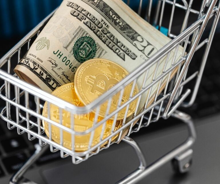 Instituce ve velkém stahují bitcoiny z Coinbase a přesouvají je do cold peněženek