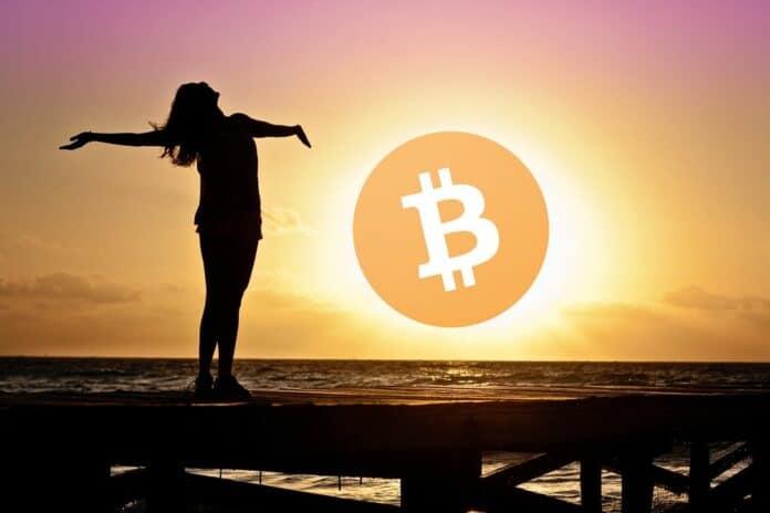 woman usvit optimismus svitani bitcoinu