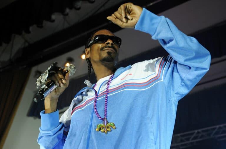 Snoop Dogg se připojil k Elonovi Muskovi – Dogecoin je miláčkem celebrit