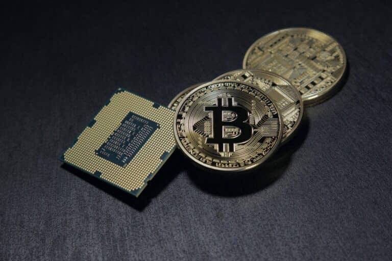 """Bitcoin je """"velmi pravděpodobně"""" vyvrhelem, tvrdí Ray Dalio"""