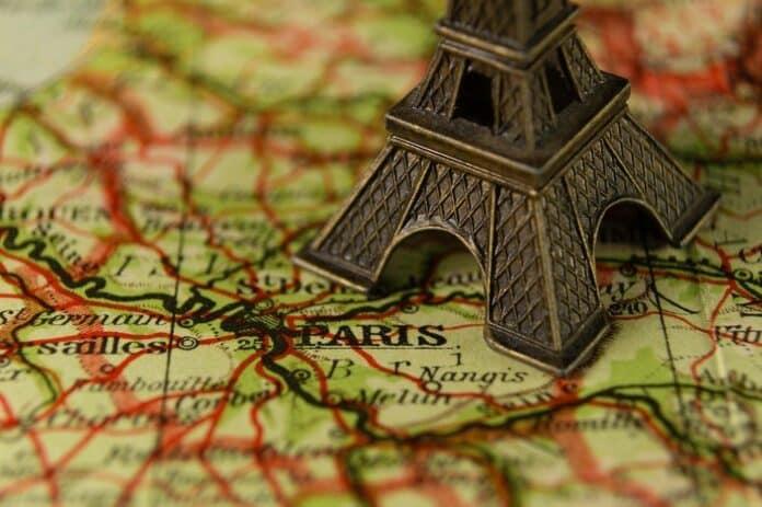 francie eiffelova vez paříž
