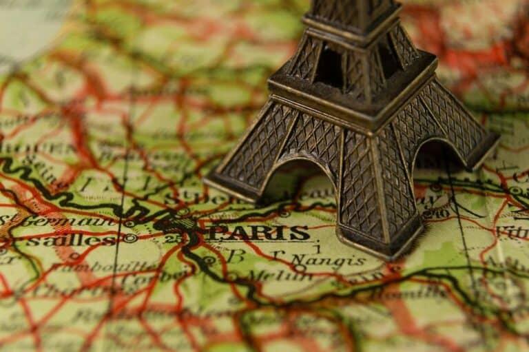 Člen francouzského parlamentu podepsal petici vyzývající centrální banku k adopci Bitcoinu