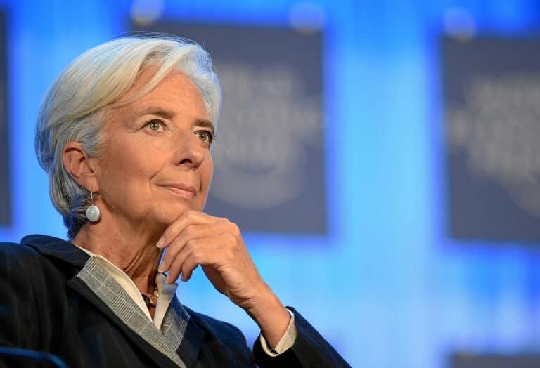 """Šéfka ECB Lagarde chválí záporné úrokové sazby! """"Podporují společnosti a lidi v eurozóně"""" (k útěku do BTC?)"""