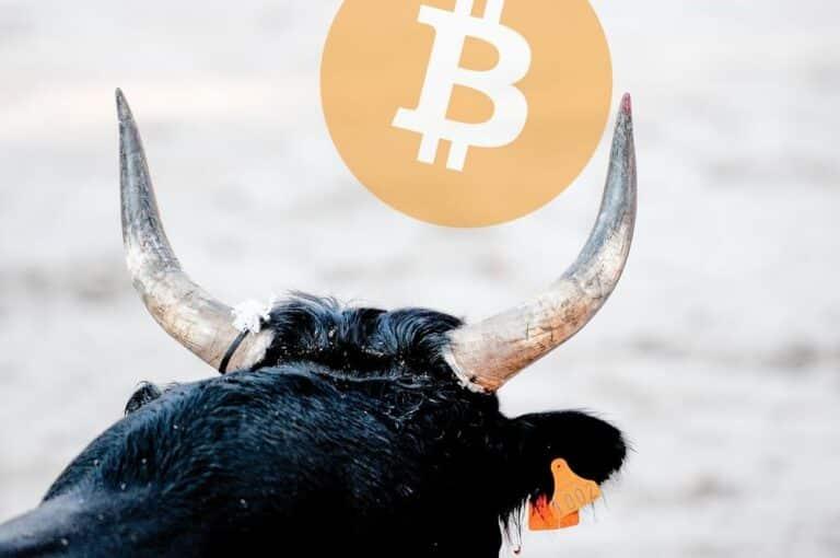 Podle analytiků Bloomberg je pravděpodobnější, že Bitcoin půjde na 100k nežli na 20k USD