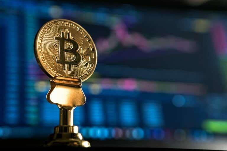 30.05.21 Video analýza Bitcoinu (BTC), Altcoin index a zlata – spustí měsíční close další pád?