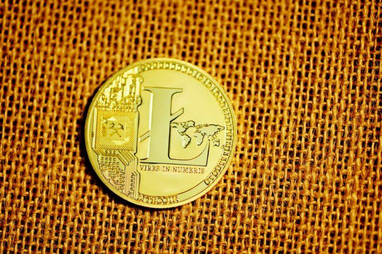 30.05.21 Technická analýza LTC/USD a BCH/USD – připrava na další stlačení pružiny?