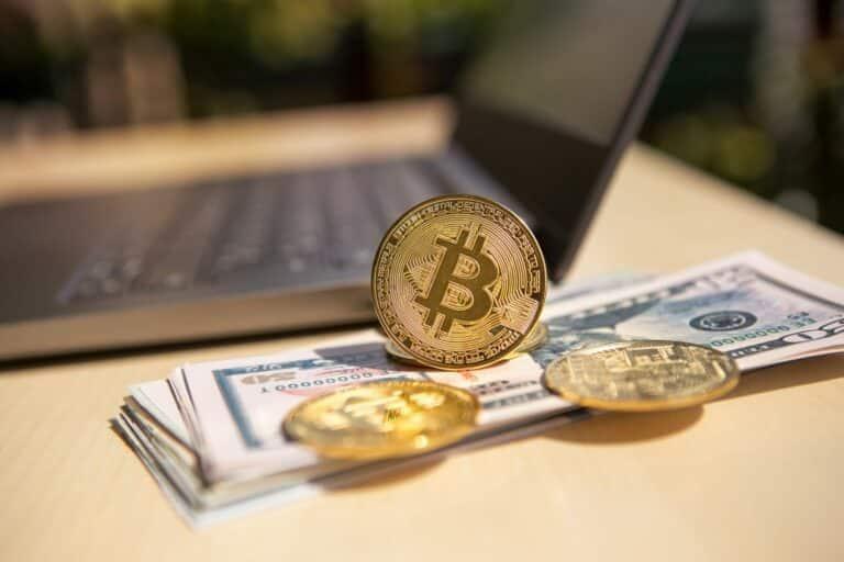 04.07.21 Video analýza Bitcoinu (BTC), Altcoin Indexu, zlata a DXY – je možné, že je 30 000 USD dno?