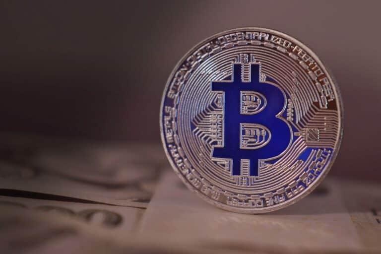 11.07.21 Video analýza Bitcoinu (BTC), altcoinů, zlata a DXY – extrémné nízké objemy, avízo k velkému pohybu?