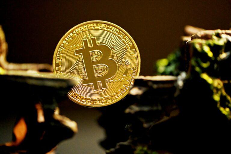 22.08.21 Video analýza: Bitcoin (BTC) a DXY – nízké objemy, divergence, ale Price Action solidní