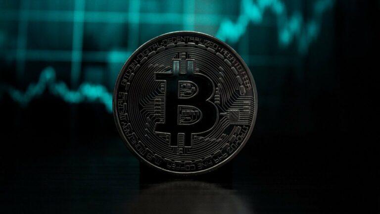 Bitcoin live stream – dolar stabilní, dluhopisy sílí, obavy z krize stoupají?