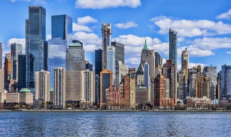 Newyorské podniky žádají guvernérku o zamítnutí povolení k těžbě kryptoměn