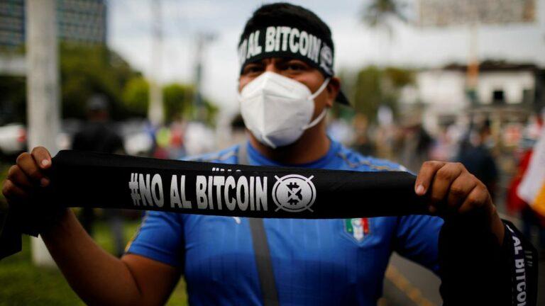 Protesty proti bitcoinu zaplnily ulice Salvadoru