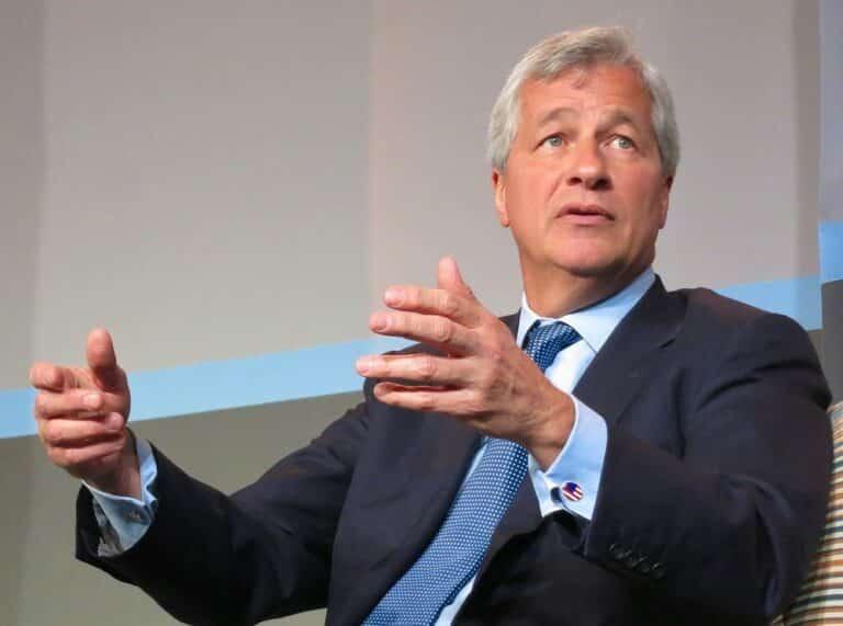 Generální ředitel banky JPMorgan Jamie Dimon se opět pustil do Bitcoinu